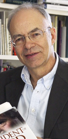 peter singer ethics Ethics (oxford readers): to capture the essentials of what we know about the origins and nature of ethics, peter singer has drawn on anthropology.