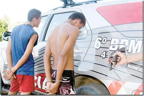 """JOVENS QUE PARTICIPARAM DE TIROTEIO NO VEL""""RIO DE MOISES MARTINS, ASSASSINADO ONTEM, 07PL1110, 07/05/2012, POLICIA, ADRIANA PIMENTEL,"""