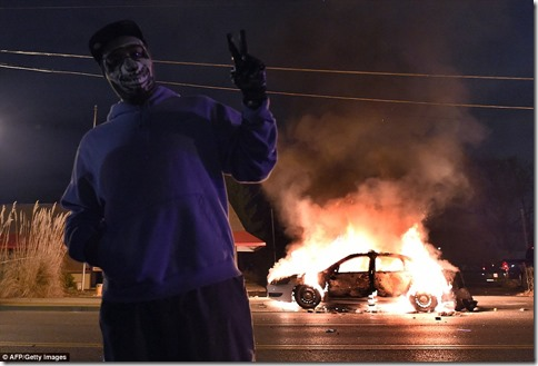 burning-police-car-ferguson2
